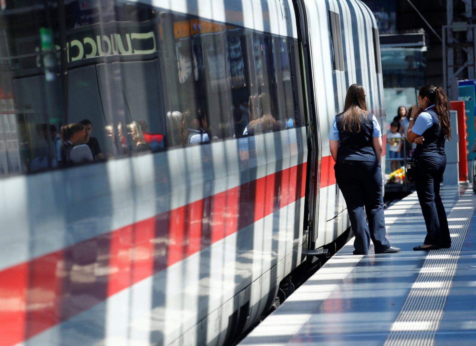 traukinio greitis pažintys