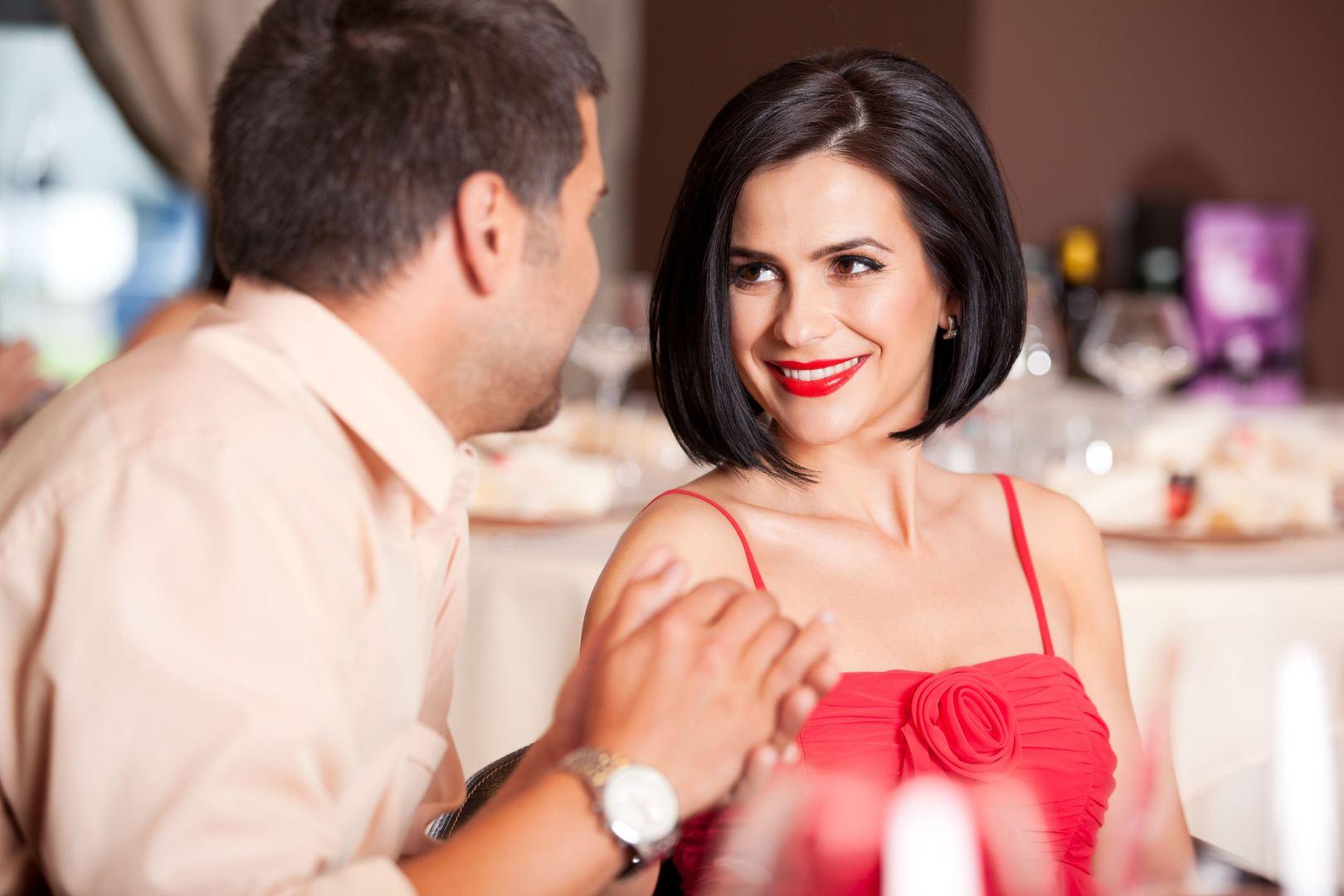 interneto pažinčių pirmąjį pasimatymą patarimai 26 metų moteris pažintys 45 vyras